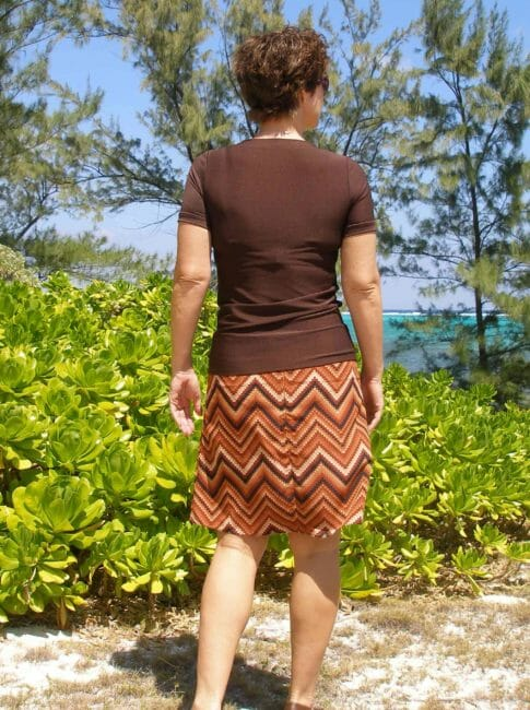 So Sew Easy - V-neck T-shirt and A-Line skirt
