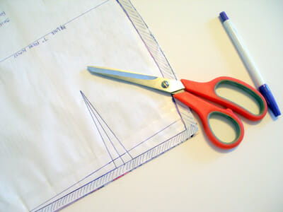 How to mark darts quickly, simply and accurately.  Part of the Sew A Skirt beginners series on So Sew Easy.