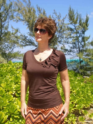 Craftsy Sewing with Knits review - the V-neck t-shirt.