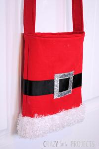 Sew this Santa Toe Bag tutorial and pattern.