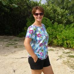 Julia top, pattern review. Easy breezy blouse.