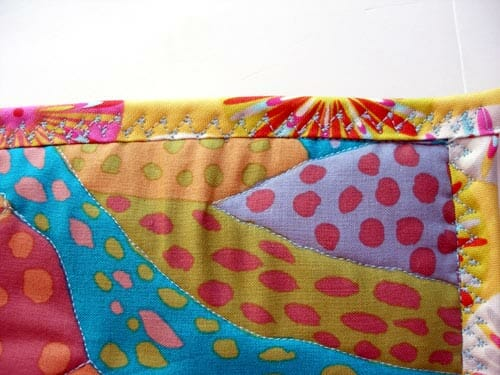 How to make easy quilted potholders.  Great beginner project and love the free-form quilting!