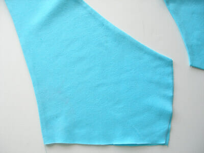Twist front top - free t-shirt pattern and step by step photo tutorial from So Sew Easy. Love this t-shirt and it's so quick and easy to make!