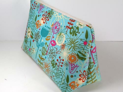 Patterns For Bags : Easy Cosmetics Bag Pattern. Free pattern, quick and easy to sew but so ...