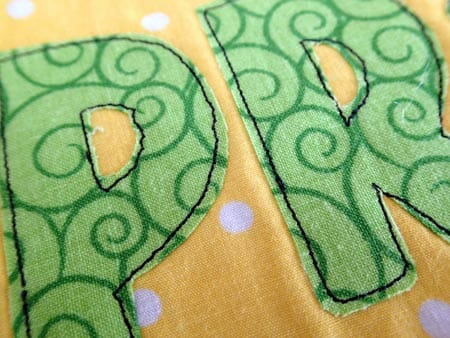 Template and directions to make this Spring Mug Rug or placemat.
