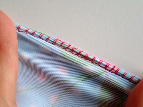 How, where and when to use an overcasting stitch for a neat seam finish. Perfect for sewing knit fabrics too.