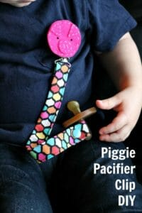 Cute idea for a Piggie pacifier clip holder. These are so simple, great baby gift.