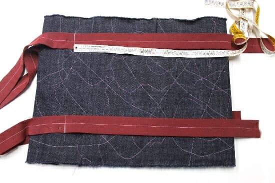 Serger Pepper - Padded Laptop Bag Tutorial - mark with chalk straps