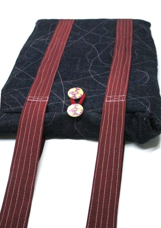 Serger Pepper - Padded Laptop Bag Tutorial - tHE BAG IS DONE
