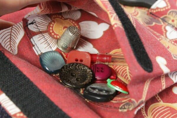 A peek inside the detachable accordion pocket