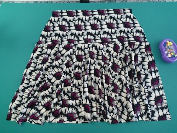 flouncy bouncy skirt