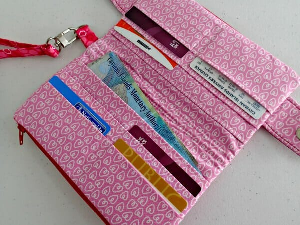 Sewing video for the Swoon Della Wallet Pattern - So Sew Easy