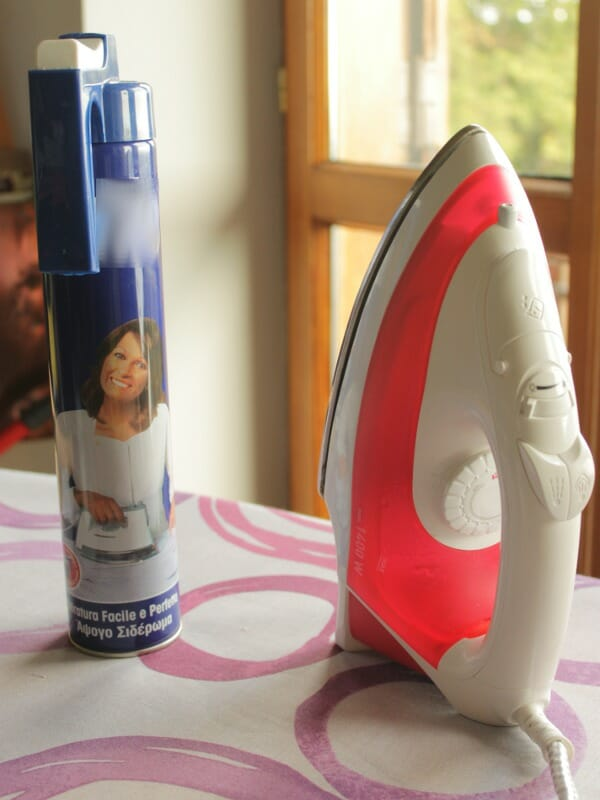 Serger Pepper 4 So Sew Easy - Pressing tools How to use - Spray starch