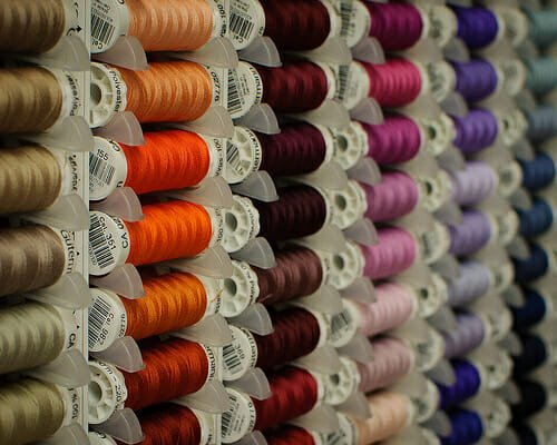 See how these spools of thread have a 'criss-cross' pattern