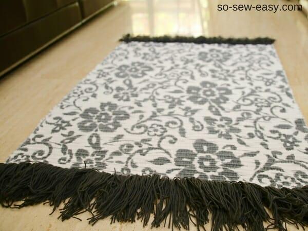 fringed bath mat