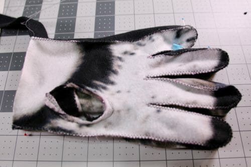 Easy Gloves Pattern For Your Winter Comfort So Sew Easy