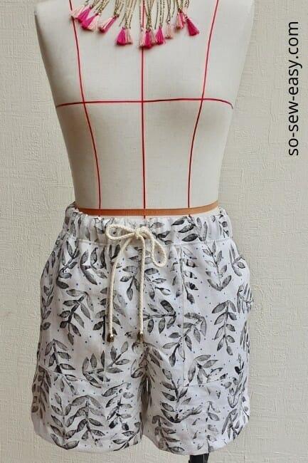 elastic waist linen shorts